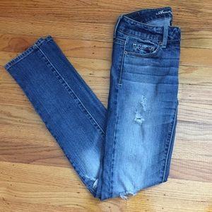 🌺SALE🌺American Eagle Distressed skinny jeans